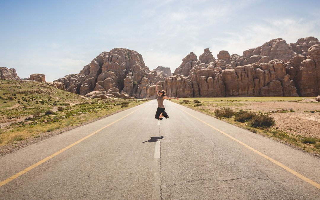 Tips To Enjoy Life While Living On The Road
